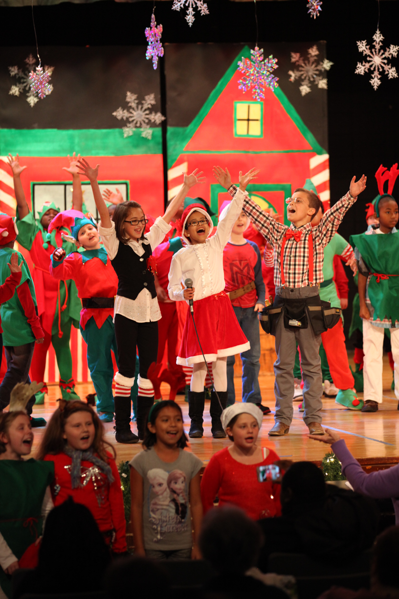 Students perform Christmas musical, Nanny Claus